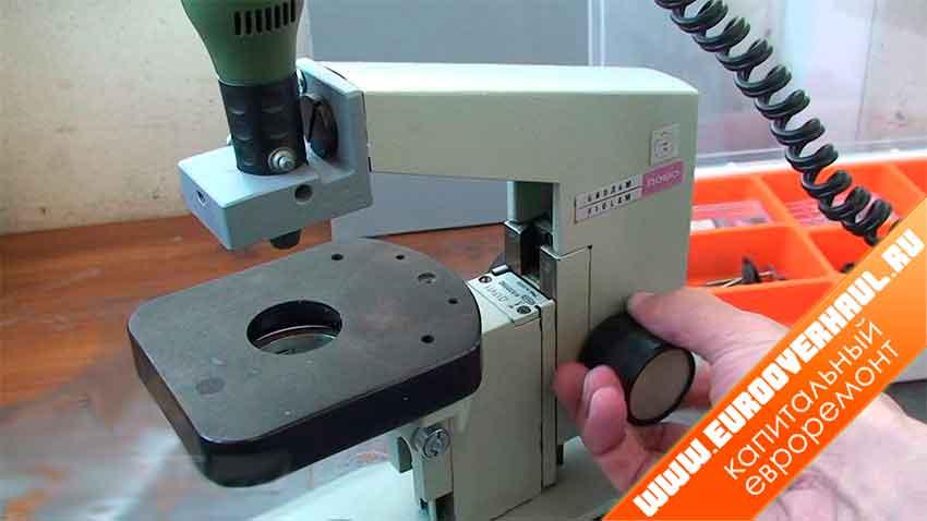 Мини-станок из списанного микроскопа.